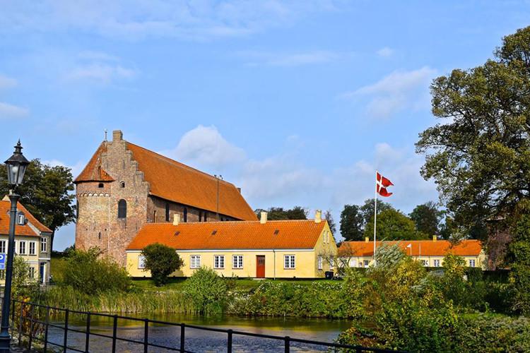 Nyborg, Danmarks Riges Hjerte Med Skønne Overnatningssteder